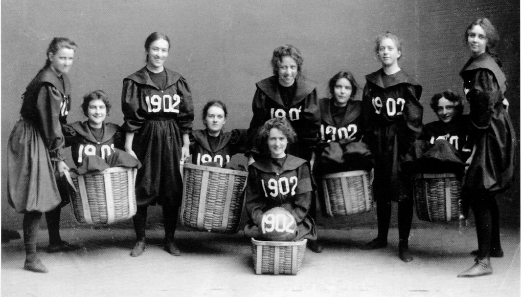 Smith College class of 1902 basketball team